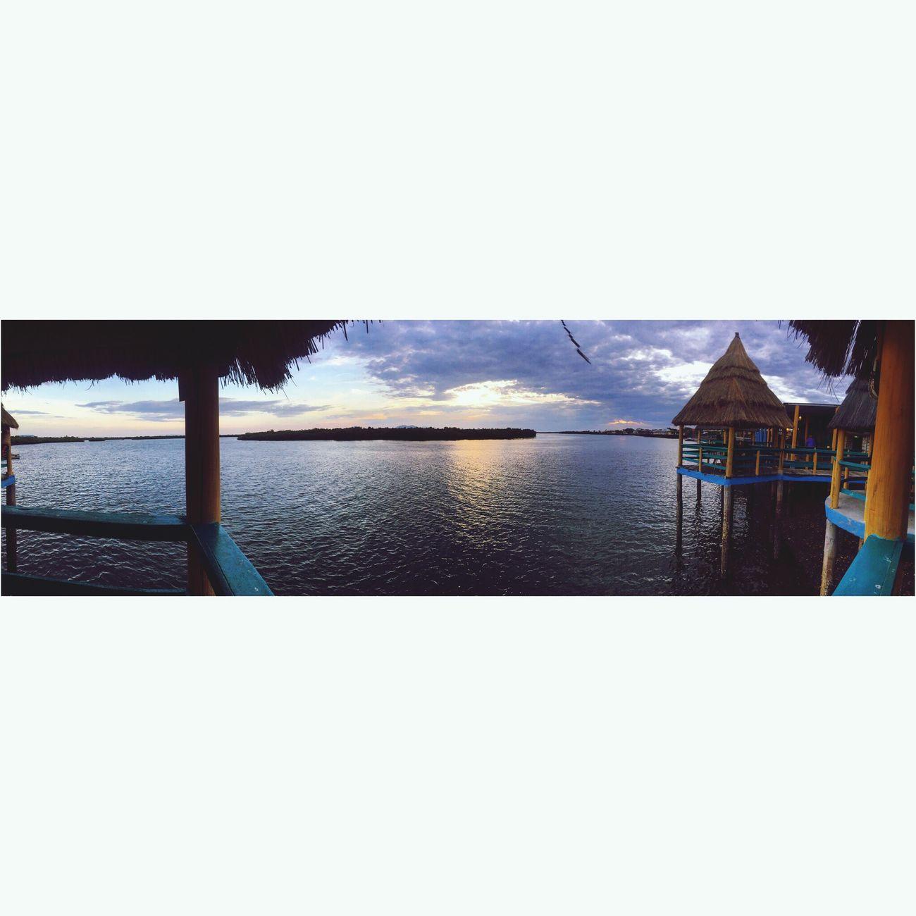 💙🇭🇳 Sea Sky Beach
