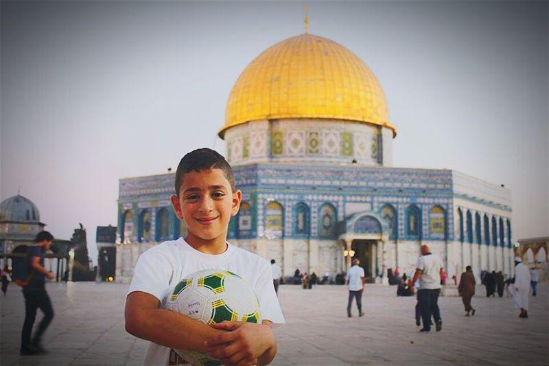 Jerusalemoftheday A Boy With A Ball Kudus