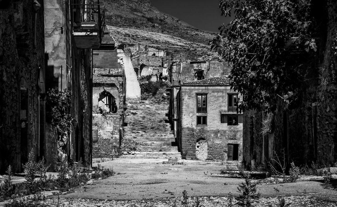 Black & White Decay Derelict Italia Sicilia Sicily Urban Exploration Abandoned Black And White Blackandwhite Blackandwhite Photography Decaying Disaster Earthquake Italy Poggioreale Urbex
