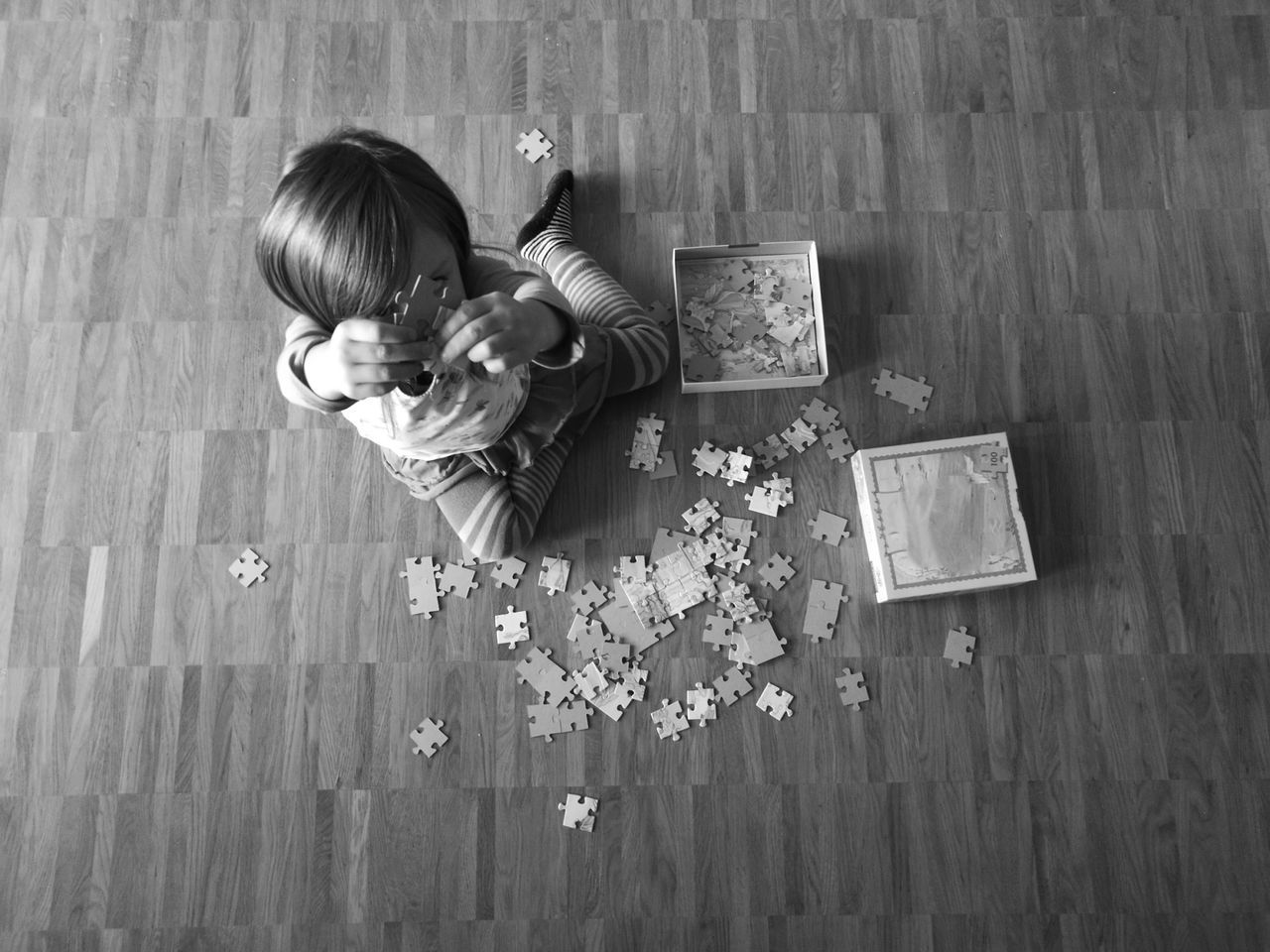 Monochrome Photography Childhood Innocence Puzzle  Lifestyles Domestic Life High Angle View Kind Spielen Casallo Juego Rompecabezas