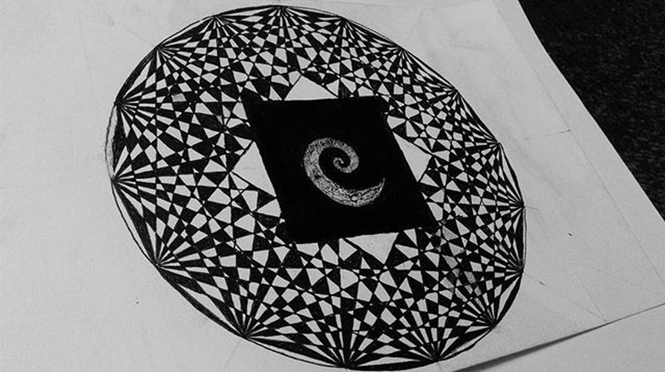 Another kind of mandala Art Artist Arte Design Drawing Draw Dibujo Instaart Creative Sketch Sketching Doodleart Abstract Mandala Mandalaart Zenart Zentangle Zentangles Zentangleart Patterns Blackandwhite Opticalillusion