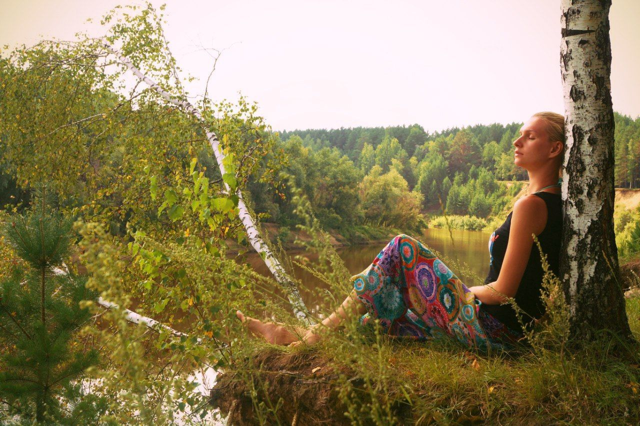 Girl meditation on river bank Beauty In Nature Girl Meditation On River Bank Meditate Meditating Meditation Meditation Place Nature One Woman Only One Young Woman Only Tree Women Young Women
