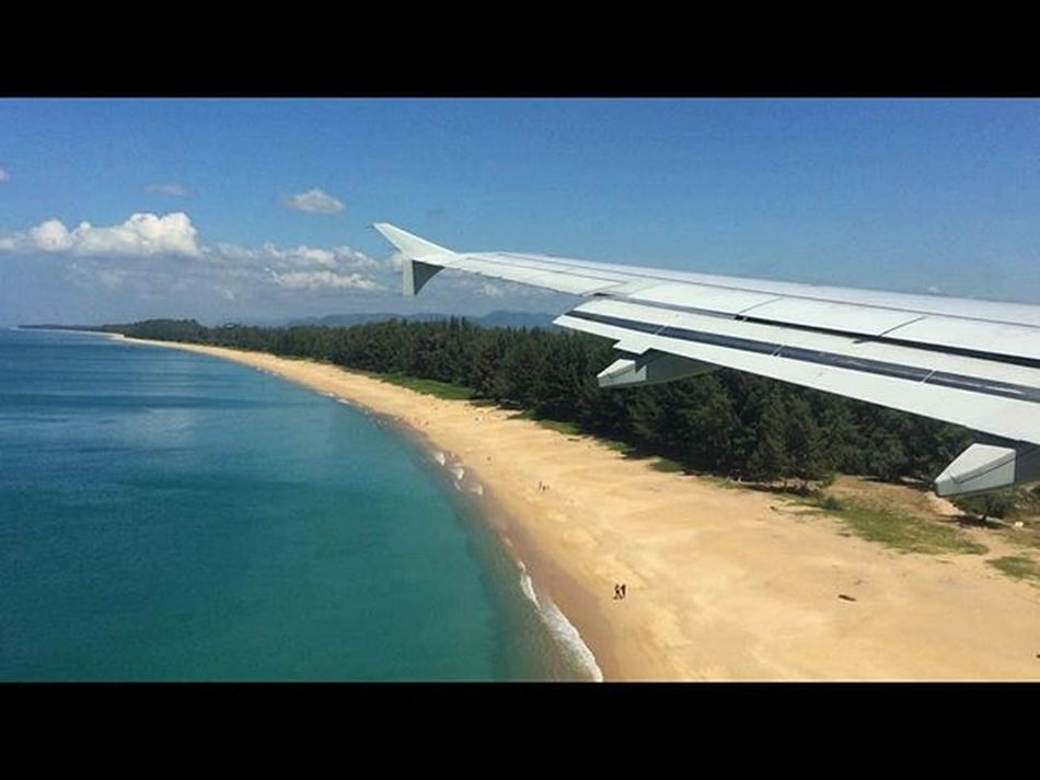 That's how Phuket welcomed us ! 😘🛬🌊🚣🏊🏻⛵️ Phuket Thailand Beautifuldestinations Landing Beach Insta_thailand Instapic