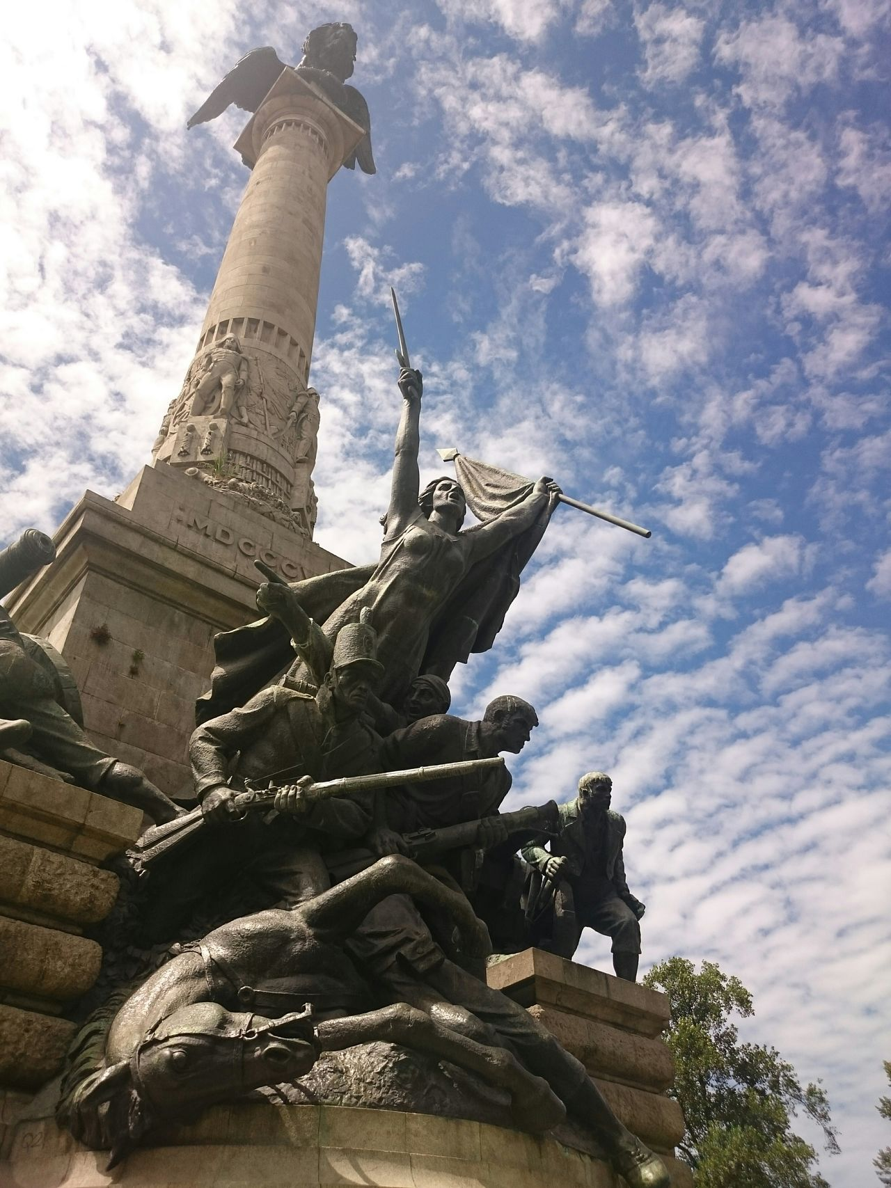 Clouds And Sky The Purist (no Edit, No Filter) ArtWork Art Revolucion Statue Statue In The City Centerpoint Porto Historical Monuments