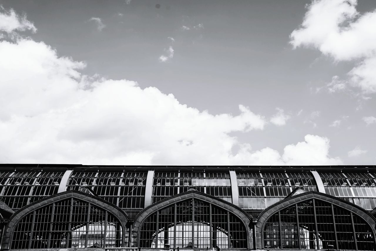Low Angle View Of Hamburg Hauptbahnhof Against Sky