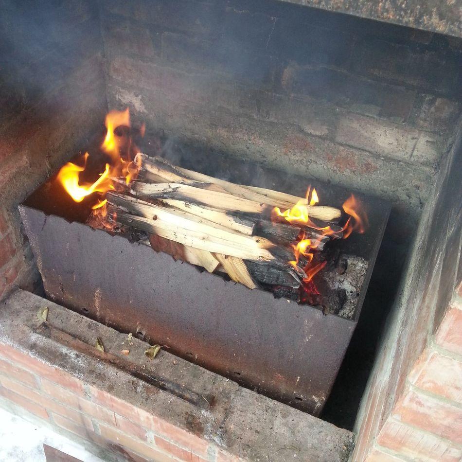 Relaxing Fire Taking Photos Eat