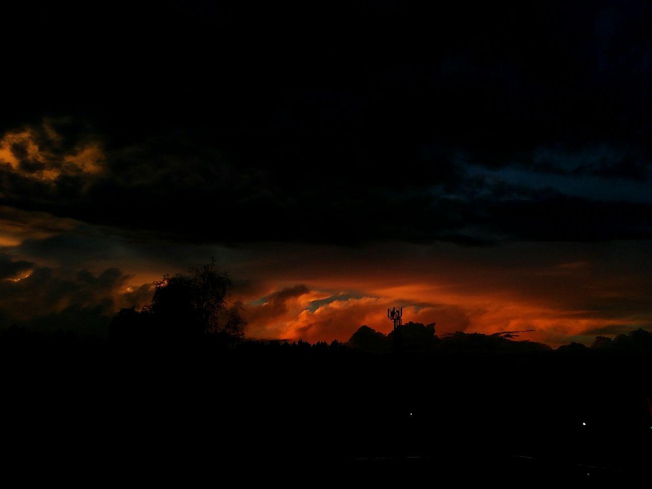 After Rain No People After Rain!💧💧 Photography I LOVE PHOTOGRAPHYHeaven Mobile Photography beauty in Nature HEAV Natural Beauty Nature Gold Colored Beautiful Sunset Cloud - Sky I Like It