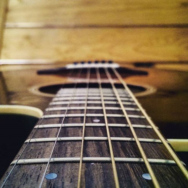 Even I get lost. I still got the strings attached in me. Your Design Story PhonePhotography Guitar Time Wooden Texture Enjoying Life Strings Of Life My Live, My Wold My Life