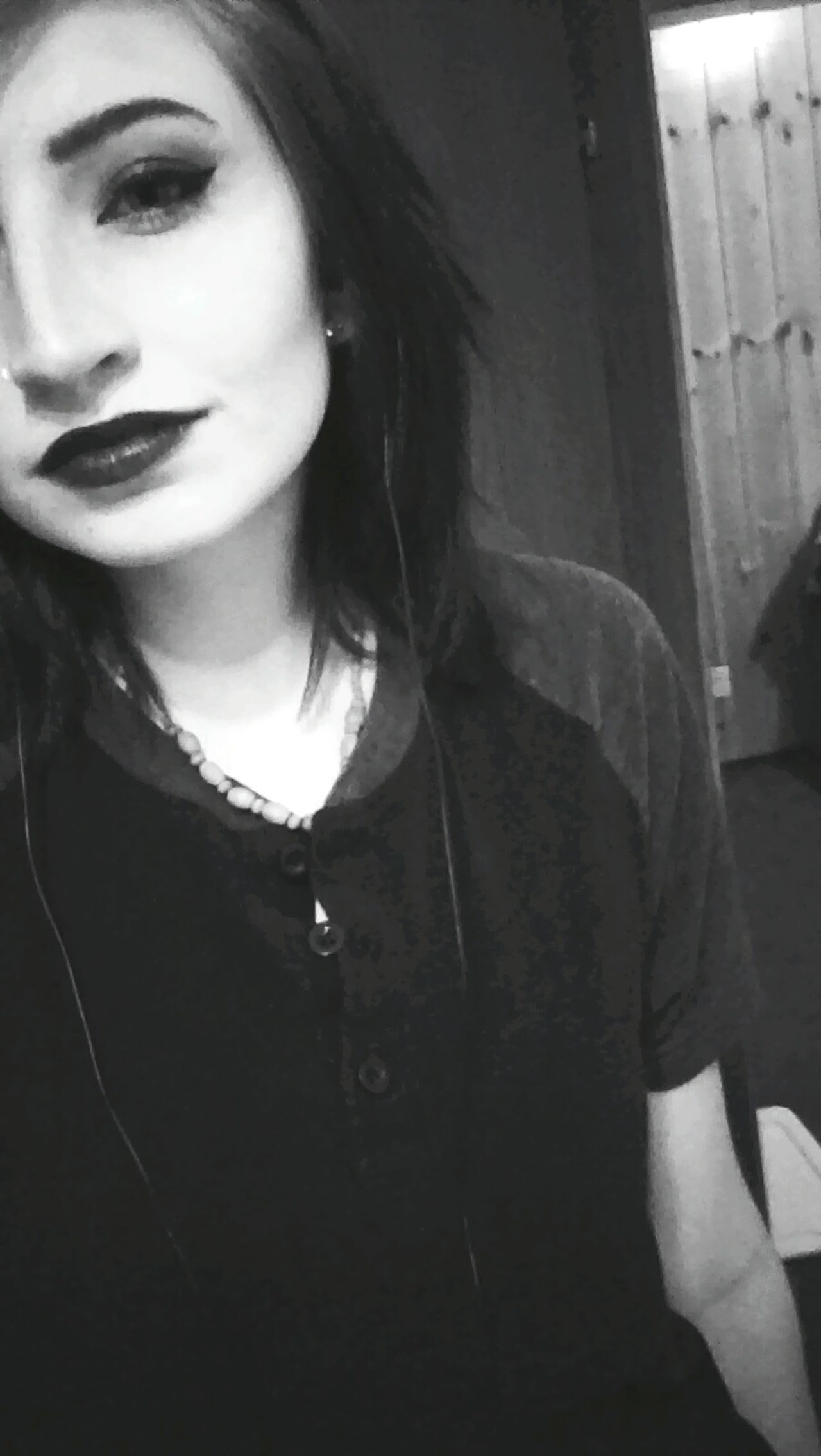 😈😈 Green Color Front View Casual Clothing One Person Smiling Grunge Effect Dark Spooky Rebel Music Adults Only Grungeroom Rebelpunk GrungeStyle Black Color Grunge Selfie Black Lipstick  High Angle View Multi Colored Mysterious Girl Black Night Creepy