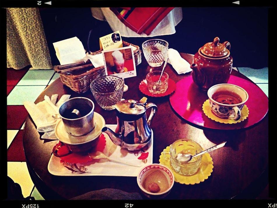 下北沢のベトナム料理店。コーヒーを待ってる時間がいいですね〜