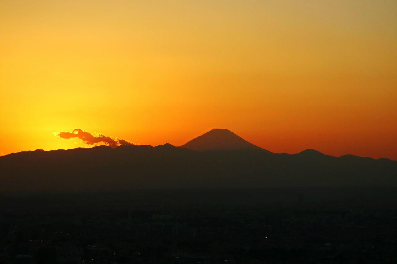 Sunset Mountain Dramatic Sky Silhouette Beauty In Nature Sky Sunset_collection Gradation Japan Fuji Sunsets SHINJYUKU Tokyo Sunsetsilhouettes