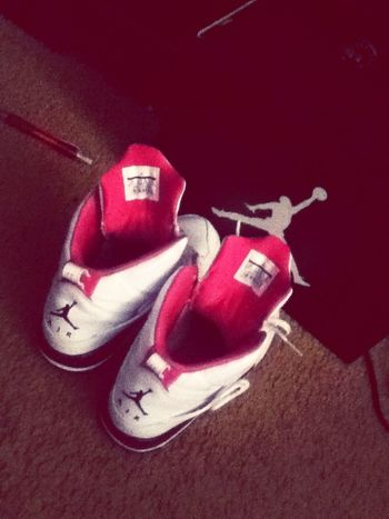 My love brought me some shoess. #love my momma