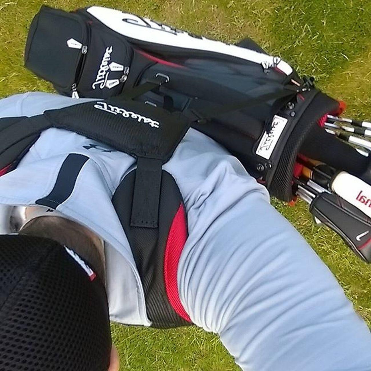 Carry your own bag. Titleist Titleistgolf UnderArmour Carry Golf Golfie Golfing Golfbag Golfjunkie Nikegolf Carryyourownbag