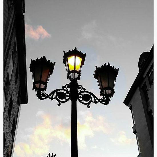 Enero anochece en Oviedo Asturias