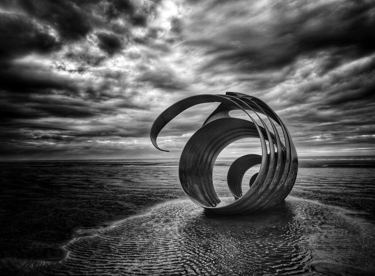 Back to Cleveleys for another few pictures of Marys shell. Colour And Patterns Cloud - Sky Malephotographerofthemonth Photography Is My Escape From Reality! Dramatic Landscape EyeEm Nature Lover Atmospheric Mood Dramatic Sky Cleveleys Colours And Patterns Welcome To Black