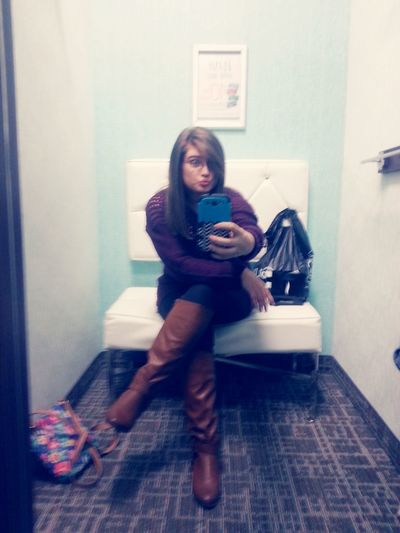Shopping! Christmas Shopping Holla ✌ Boots Check This Out EyeEm Best Edits Dressingroomselfie  Style Fashion New Haircut