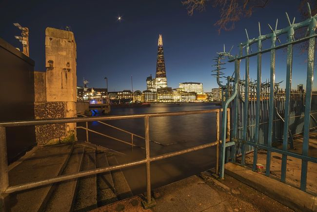 Framed Shard Shard Cityscapes City Night Riverside River Thames Dusk In The City Dusk Long Exposure Landscape Photography City View  Londonlife London Streets River View Thames Thames River Side City Dusk City Lights City Of London City At Night The Architect - 2016 EyeEm Awards
