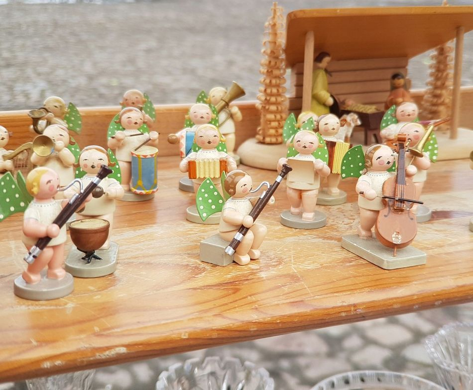 Together Together Forever Flea Market Friends Fleamarket Flea Markets Brocante Old Things Vintage Stuff Background Music Brings Us Together Music Music Festival Music Photography  Music Instrument Bands Orchestra Concert  Orchestra Figurine  Wooden Figures Wooden Figurine Musicians Cover Backgrounds Entertainment