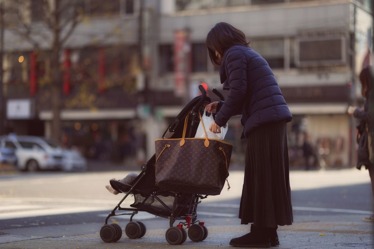 Capture The Moment City Street People Family Full Length Baby Stroller Street Photography Uzu St. Urban Exploration Landscapes Tranquil Scene Still Life Fine Art Transportation Adapted To The City Fashion City Life Depth Of Field Full Frame Detail Sigma EyeEm Best Shots 17_01