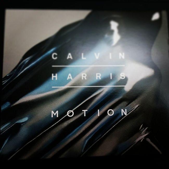 Calvin Harris-Motion人生買的第二張電音DJ專輯, 相當精彩的一張專輯 每首歌都很耐聽p.s:第一張是Armin Van Buren-IntenseClavinharris Motion Dj Awesome Soamazing