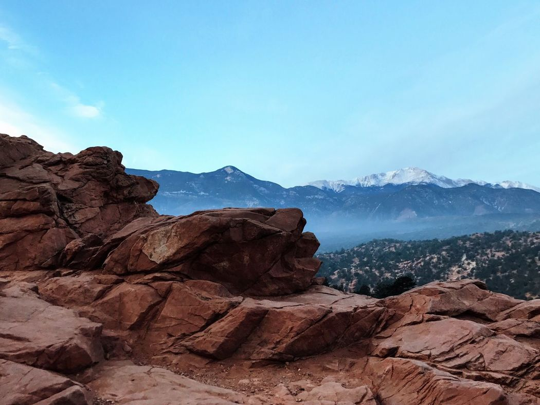 Physical Geography Beauty In Nature Nature Mountain Landscape Non-urban Scene Rock Formation Red Rocks  Garden Of The Gods Pikes Peak