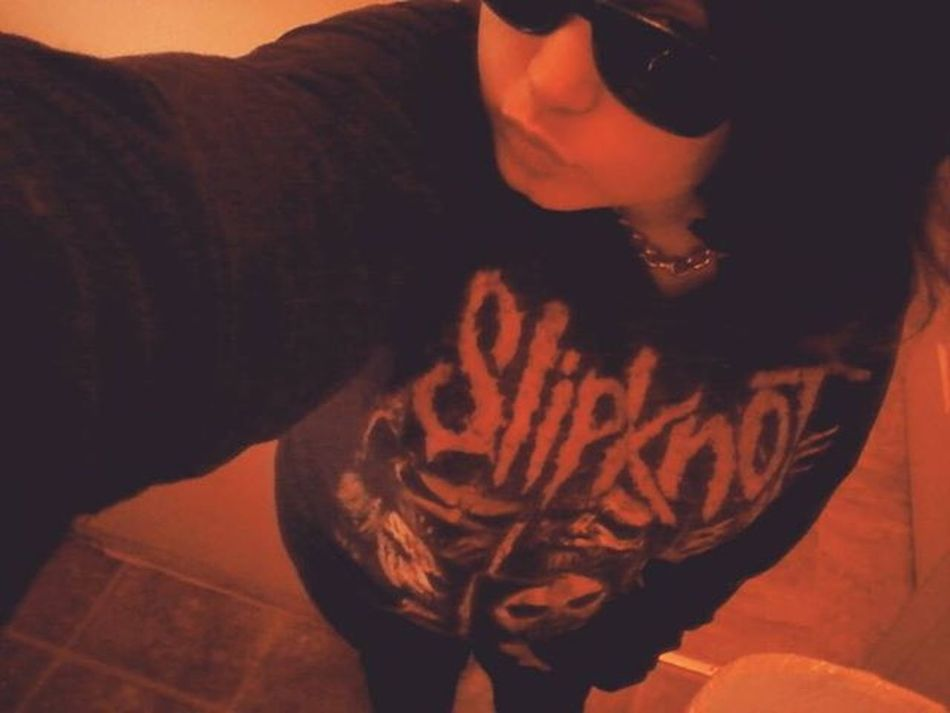 Slipknothoodie Hipsterglasses Fullbodypic Bathroomselfie Neckchain