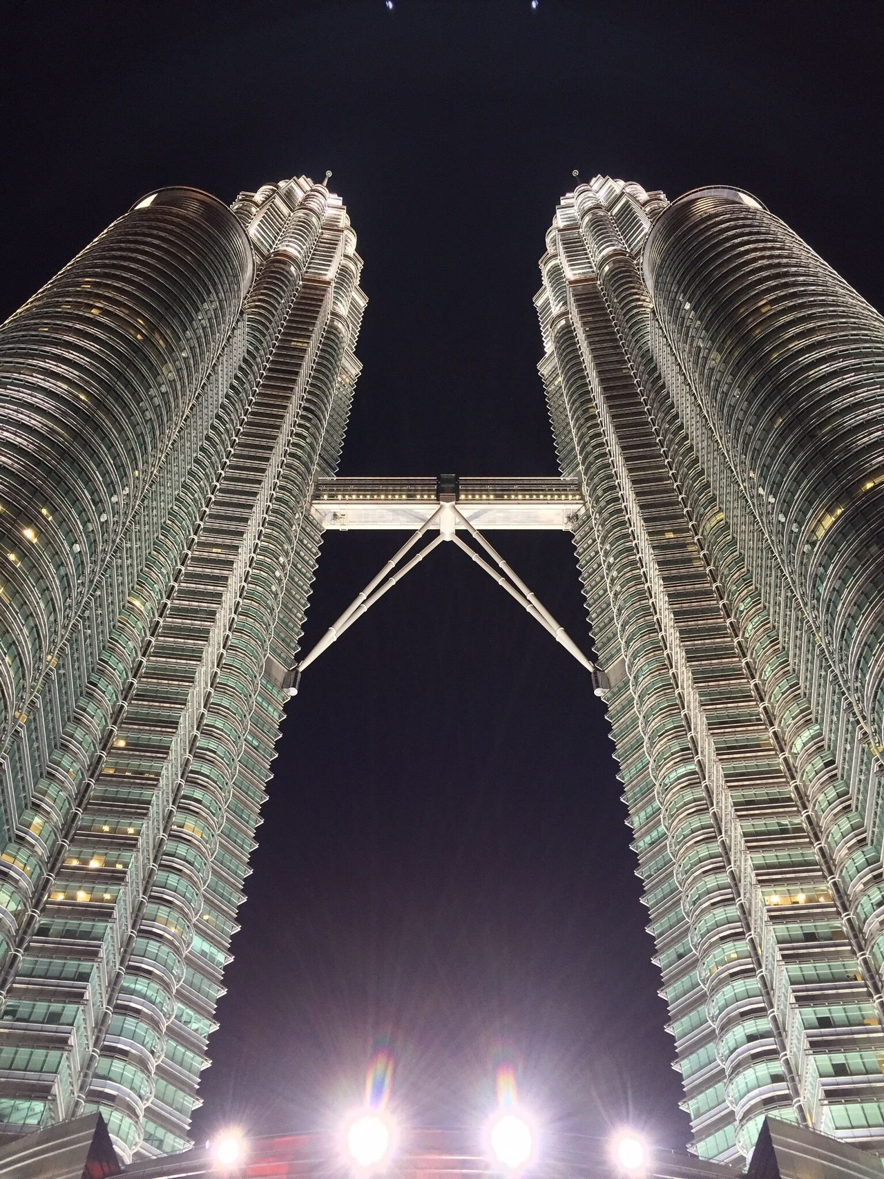 Petronas Twin Tower Kl Kuala Lumpur Klcc Kltwintower Tall Malaysia Beautiful Building Steel Tower  Steel Magnificent Architecture Architecture_collection Architectural Feature Architectural Detail Love ♥ Love Lovely Hanging Out Taking Photos Enjoying Life Check This Out Light And Shadow Night Nightphotography