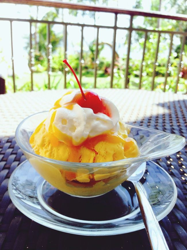 Mango Ice Cream on a hot afternoon