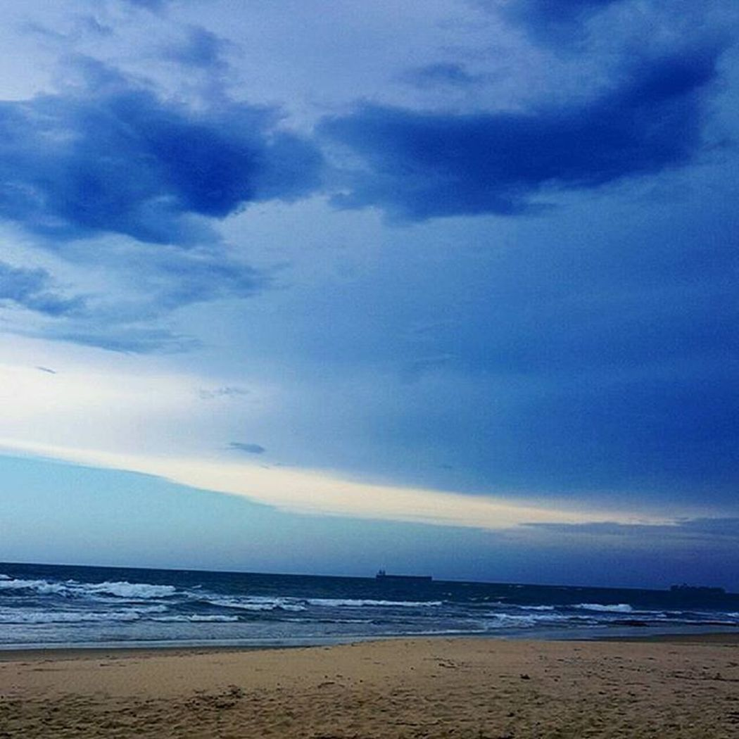 Love watching storms roll in 👌✌ Beach Storm Clouds Nature Beautiful Amazing Pretty Views Simple Sunshinecoast Queensland