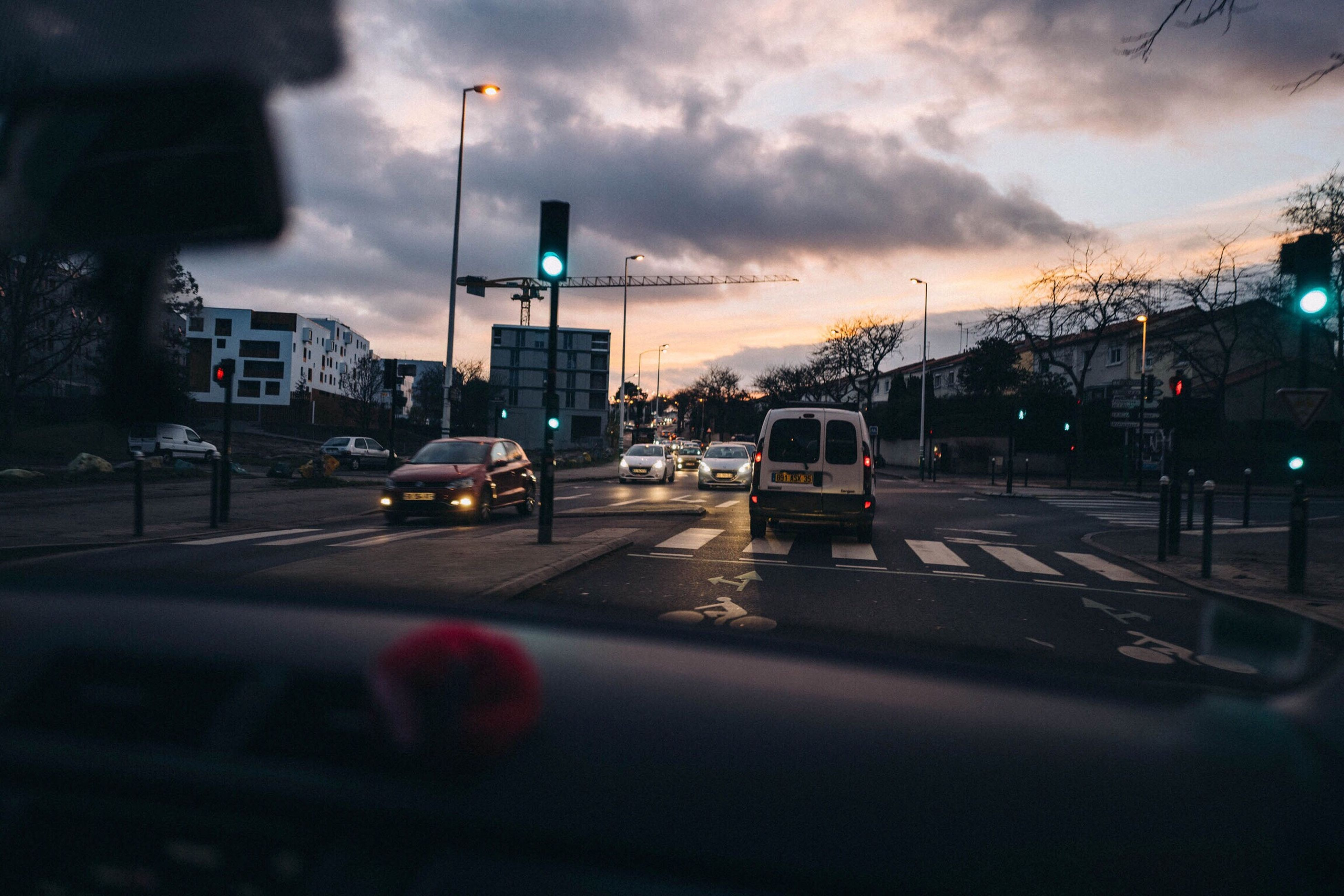 Nantes Street France Car Voiture Leicaetmoi Leicaq Leicacamera par Evan Forget