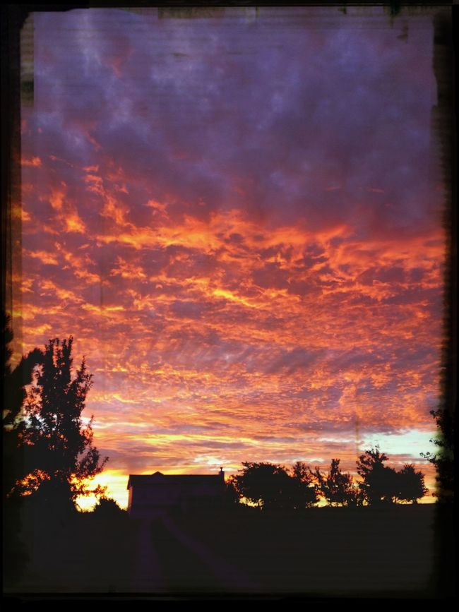 Sunrise as I waited for the bus :) First Eyeem Photo