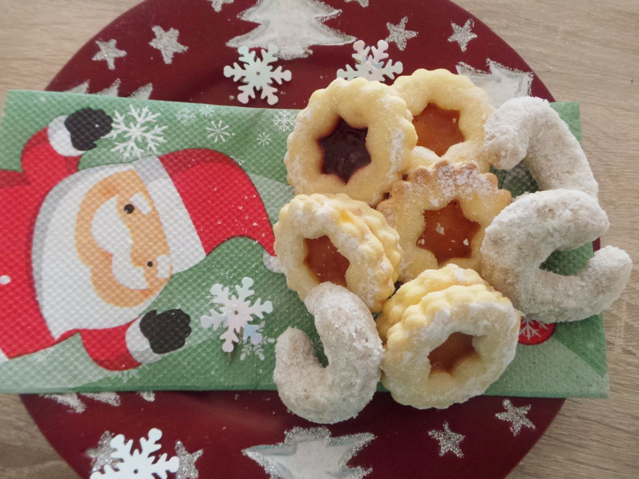 Biscuits Christmas Biscuits Close-up Day Desserts Directly Above Food Holiday Food Napkin No People Outdoors Plate Ready-to-eat Santa Santa Claus Sweets