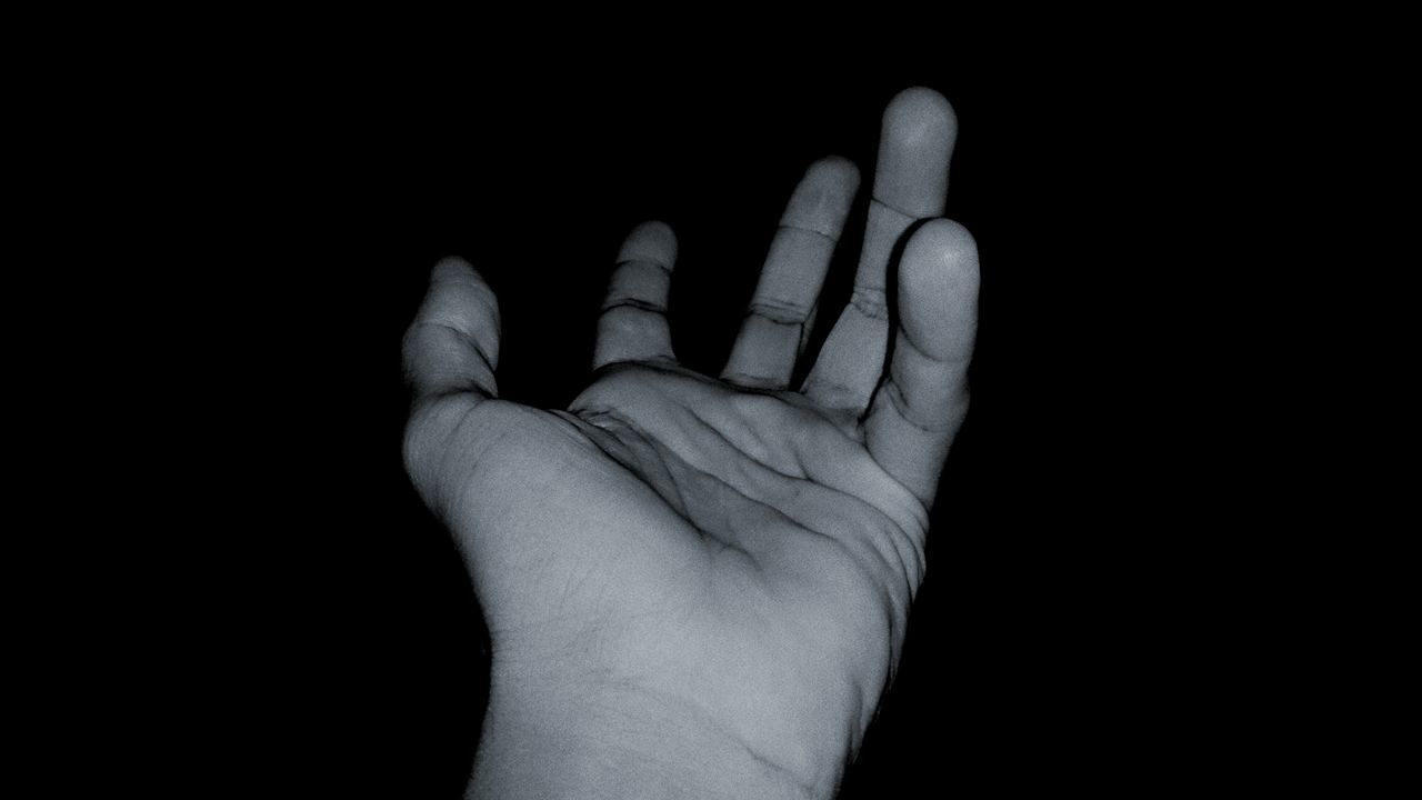 My Hand  Hand Fingers Dark Place Darkness New Photo Mobile Photography Xperiaz Getting Inspired That's Me