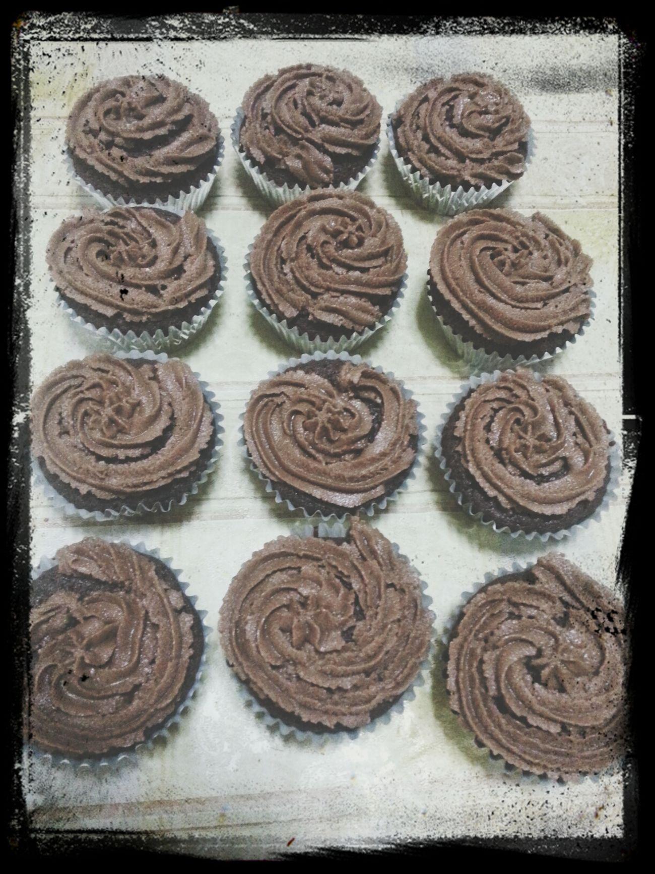 Cupcakes Chocolatebuttercream Forsale Sweet plain