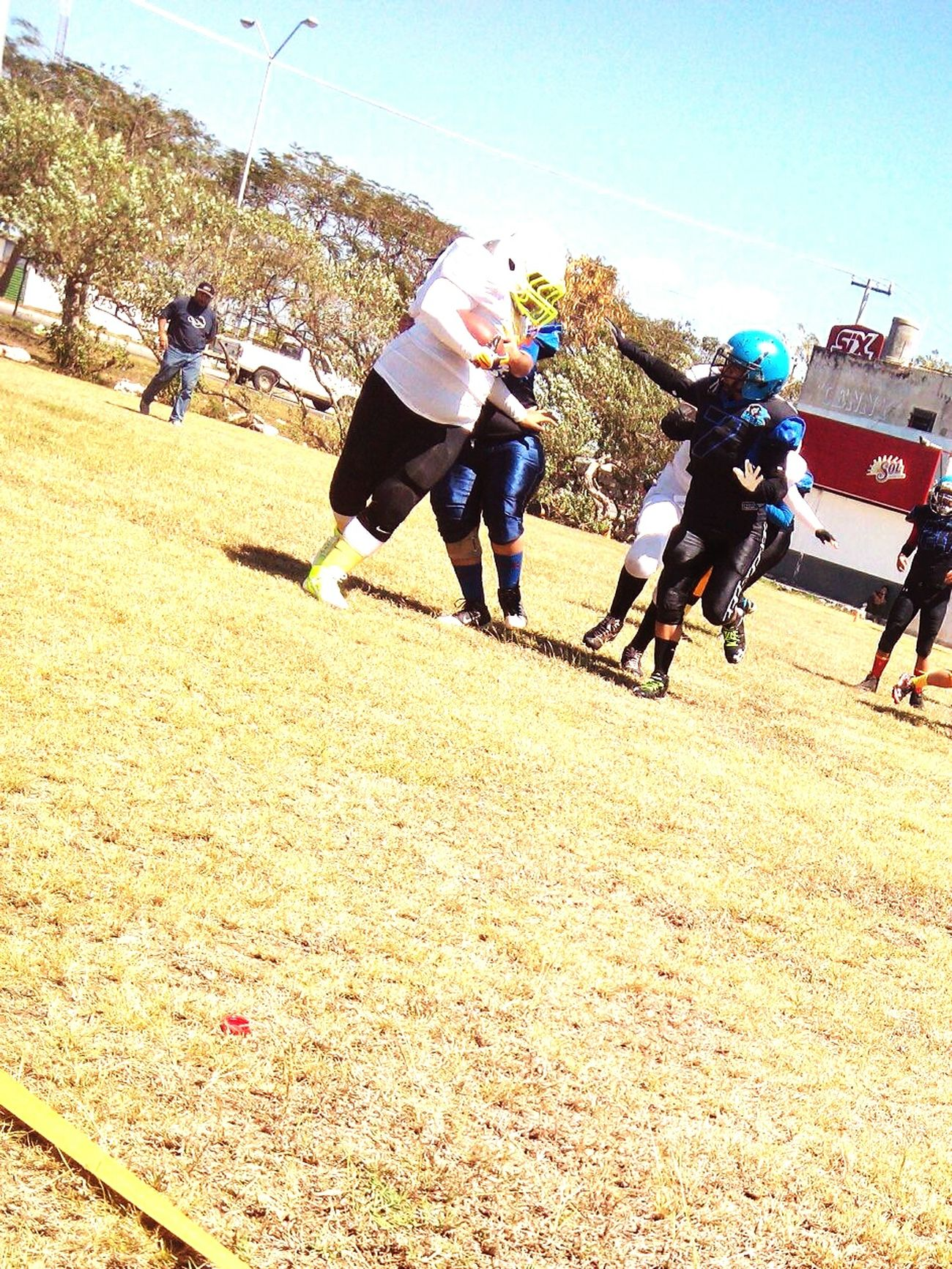 Good job my friend Bestfriend Pequeña Touchdown Leonas Football Gameday! Beautiful American Football Black Girls Rocck. Nice Awesome