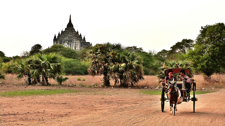 Myanmar Bagan In Myanmar Bagan Kutschfahrt Wonderful_location Pagoda Beautiful Place Horsepower Burma In Front Of Temple