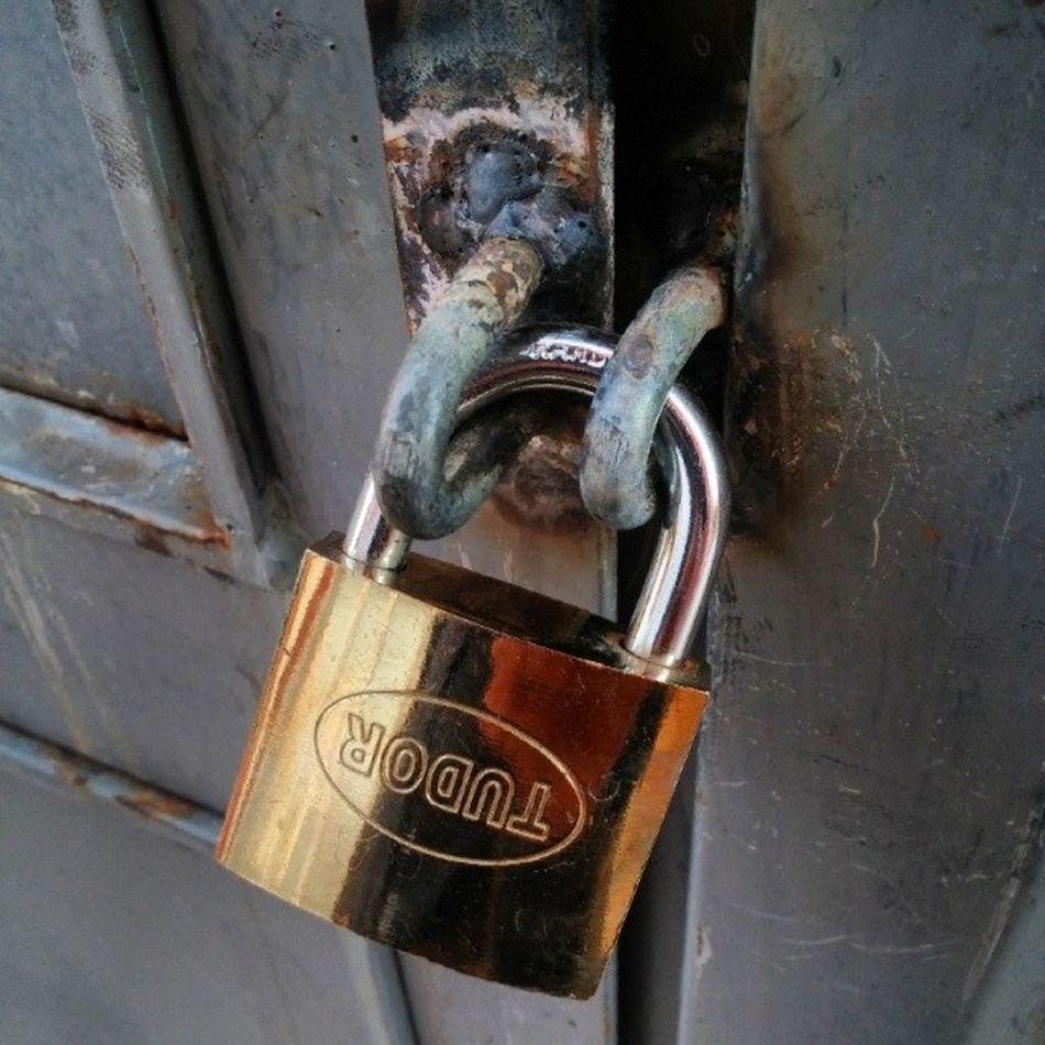 Dun ve bugune dair! Kilit Lock MissingKey