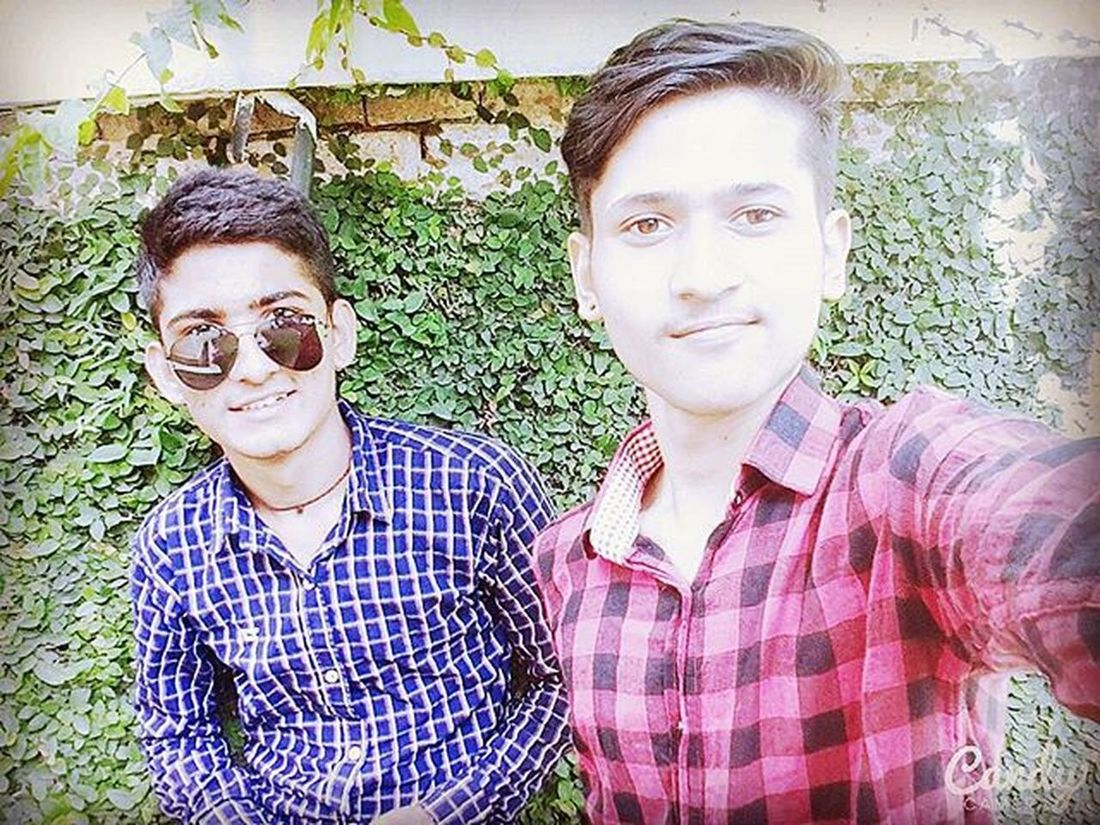 Bros before hoes! 😀😤✌