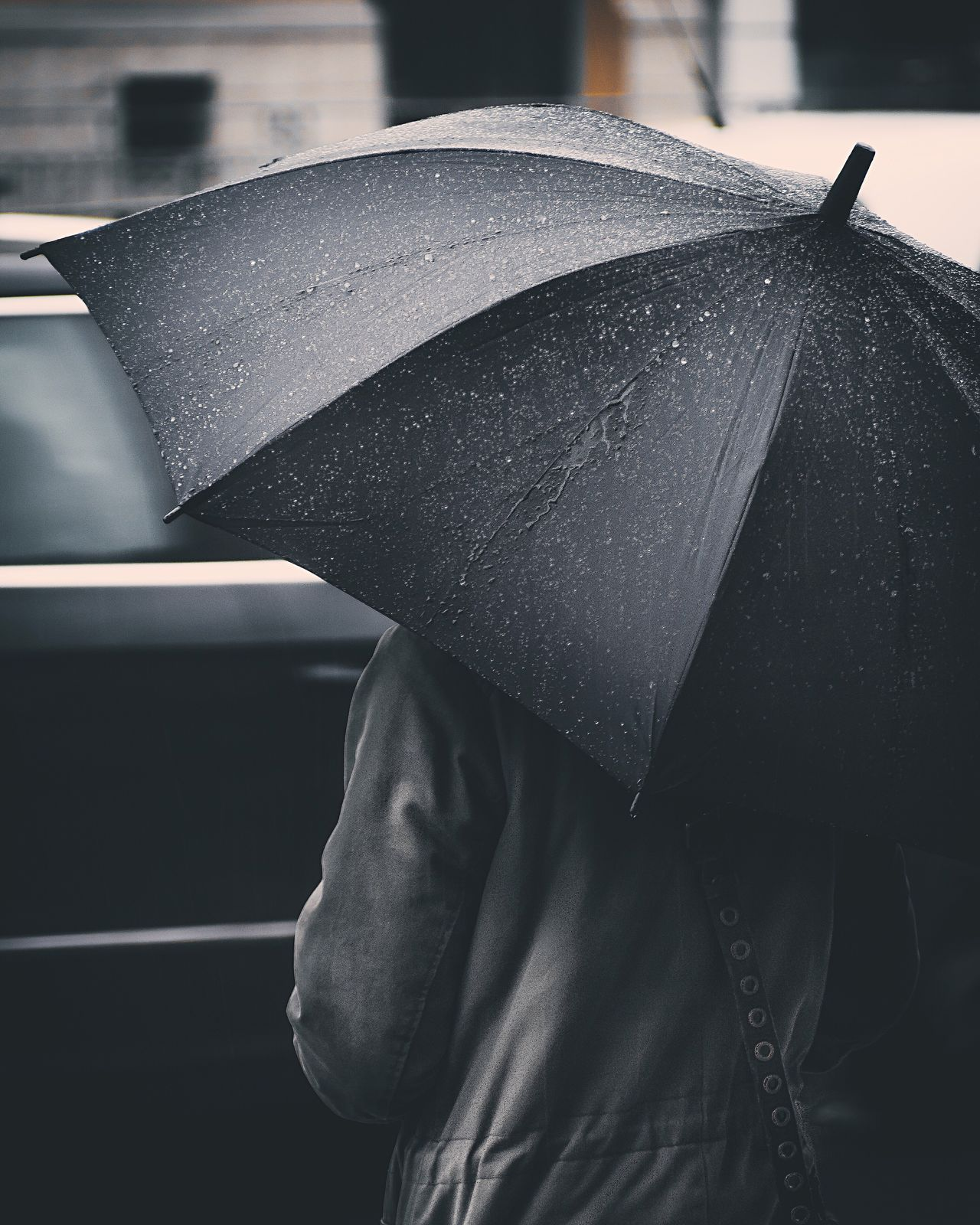 Embrace Urban Life Protection One Person Rain Real People Wet Close-up Day Outdoors People