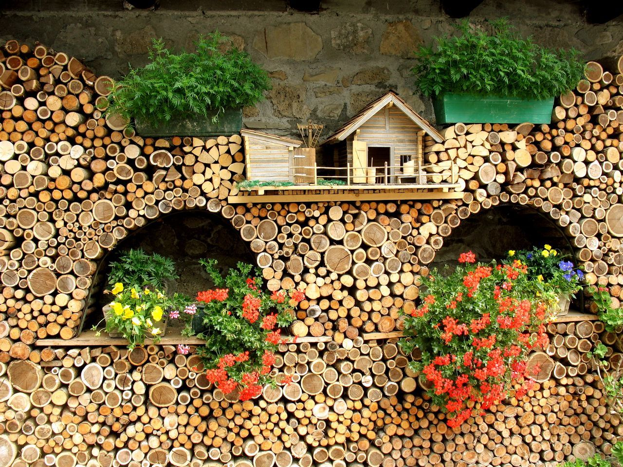 Architecture Ecologic Friuli Venezia Giulia Sauris Surrounding Wall Wall Wall - Building Feature Wood Wood - Material Wooden Wooden Architecture Wooden Art Wooden House Wooden Wall
