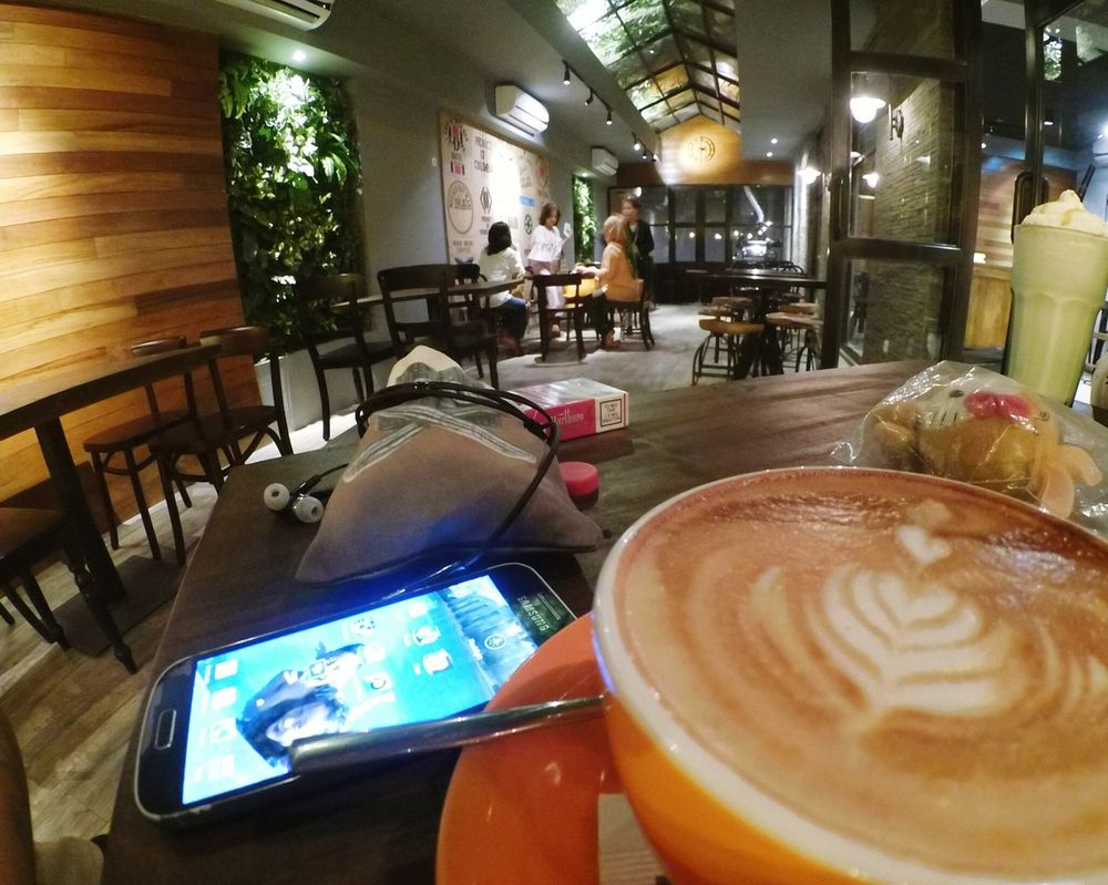 Coffee sore Coffee And Cigarettes Cappucino Meeting Friends Coffee Coffee Break Cafe Time
