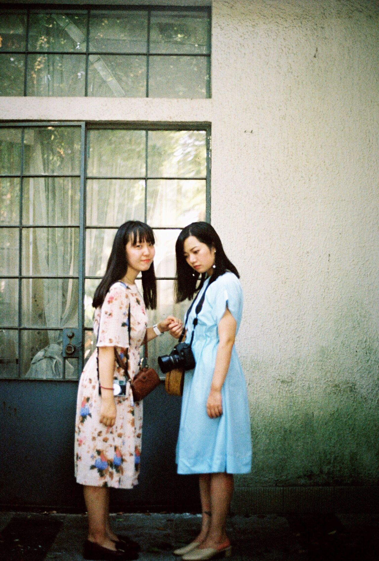 EyeEm Selects Togetherness Full Length Two People Standing Peoplephotography EyeEmNewHere The Week Of Eyeem EyeEm People Of EyeEm People Photography People Watching The Week On EyeEem Pretty Girl Summer Friendship Adult Young Women Only Women People