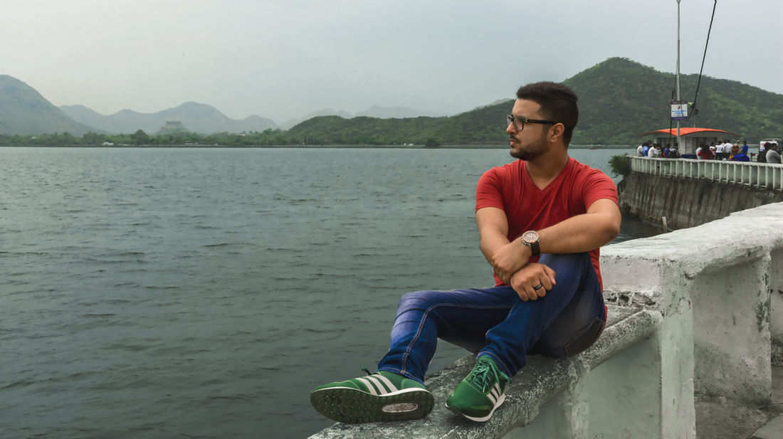 Sitting Full Length One Man Only Casual Clothing Water Adult Relaxation Only Men One Person Young Adult Men People Young Men Outdoors Day One Young Man Only Leisure Activity Adults Only Beard Portrait Perspectives On Nature Summer Landscape Beauty In Nature Nikon D810