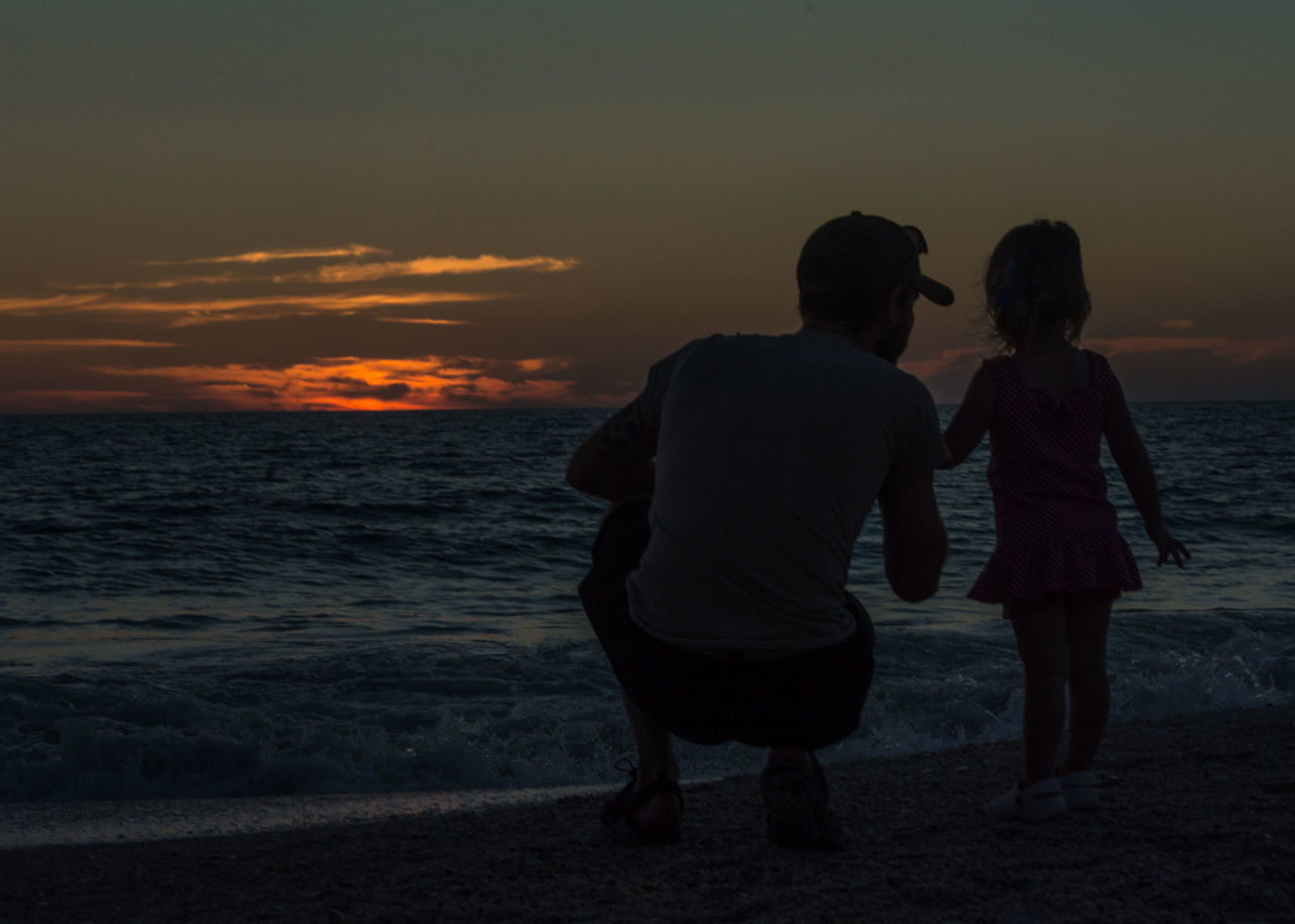 What a beautiful moment shared between father and daughter. Beach Beachphotography Beauty In Nature Bonding Child Childhood Family Father And Daughter Fatherhood Moments Florida Sunset Happiness Island Life Love Ocean Ocean View Oceanside Outdoors People Real People Sea Sunset Togetherness Two People