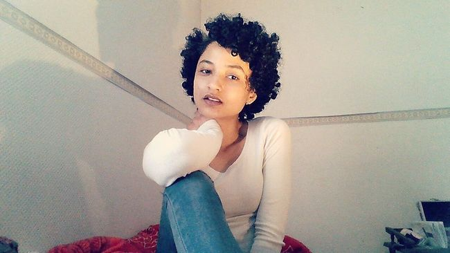 Hello World That's Me Taking Photos Curly Hair Afrohair Mixed Girl Metissage Me Taking Photo