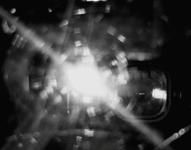 Macro Beauty Reflections Reflecting Cellphone Selfie Light-Play Something Different Something Simple Samsung Galaxy S6 Edge Cellphone Photography Black And White ❤ Blackandwhite Photography Black And White Collection  Glass Reflection