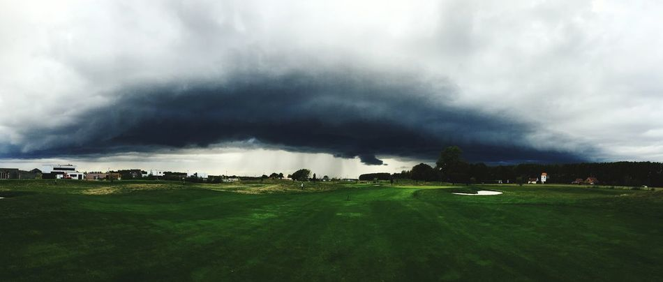 Golf Storm Storm Cloud Extreme Weather Nature Day Outdoors Dramatic Sky Big Clouds Thunderstorm Grass Social Issues Cloud - Sky Ominous Agriculture No People Tornado HuaweiP9 France 🇫🇷 Green Color