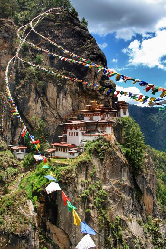 Taktsang Palphug Monastery (Tiger's Nest), Bhutan Hanging Out Precipice Tiger's Nest Bhutan Monastery Taktsang Monastery