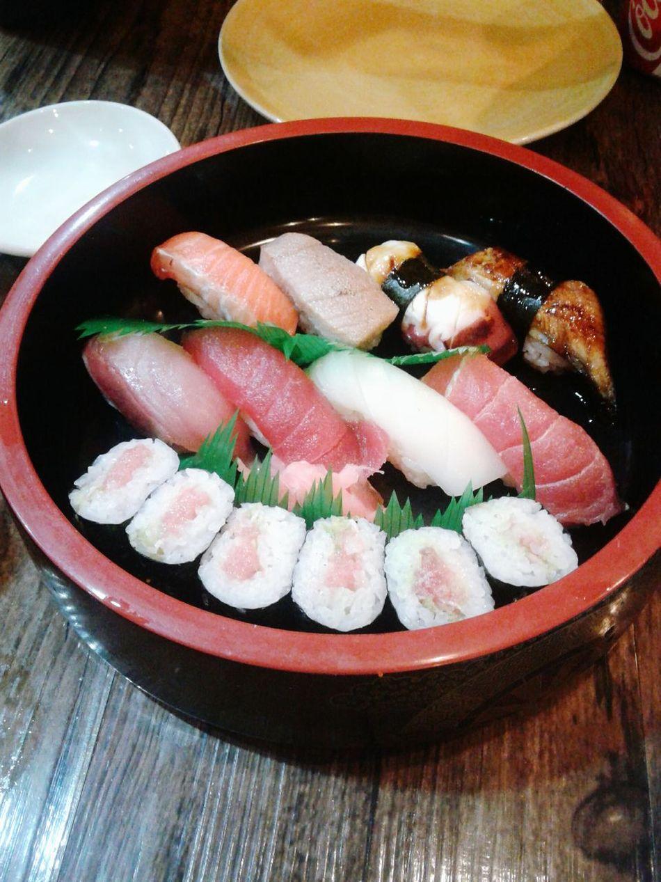 Assorted sushi at Izakaya Kikufuji. Esquire best restaurant levels! Theclimb