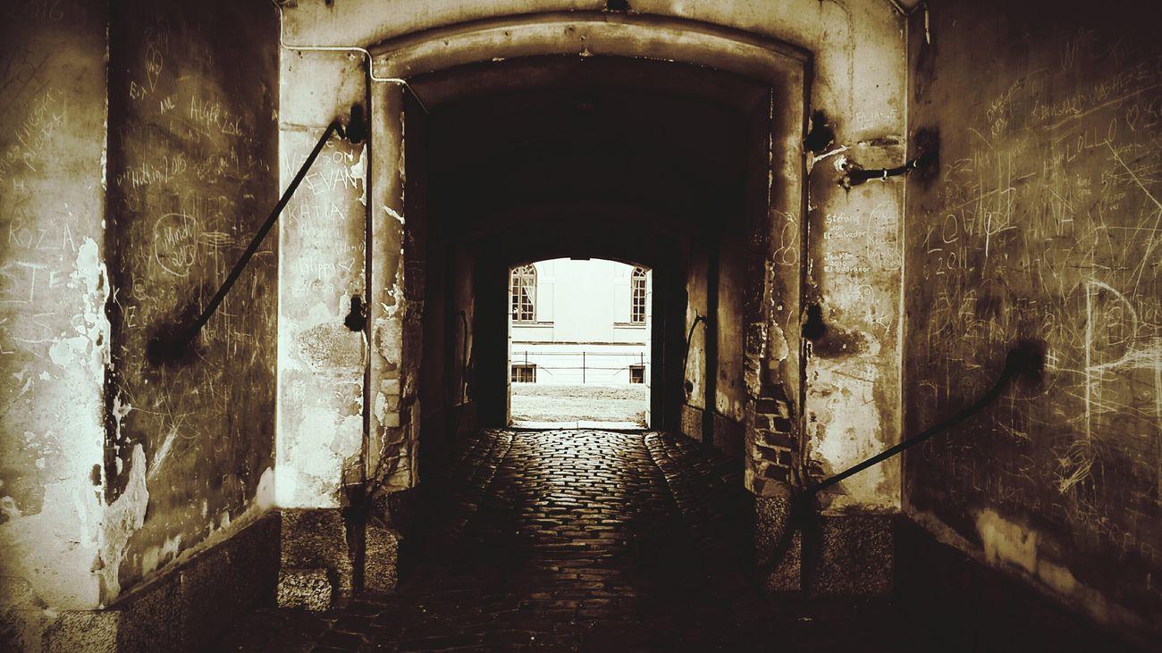 Urban Exploration Urban Explore Ue Foto Photo Fotografi Photography Streets Gator Sverige Sweden Stockholm Dark Sinister Tone Tunnel Tunnle 2016